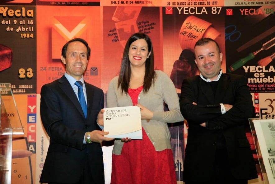 Feria del Mueble Yecla presenta el libro conmemorativo de su 50º aniversario.