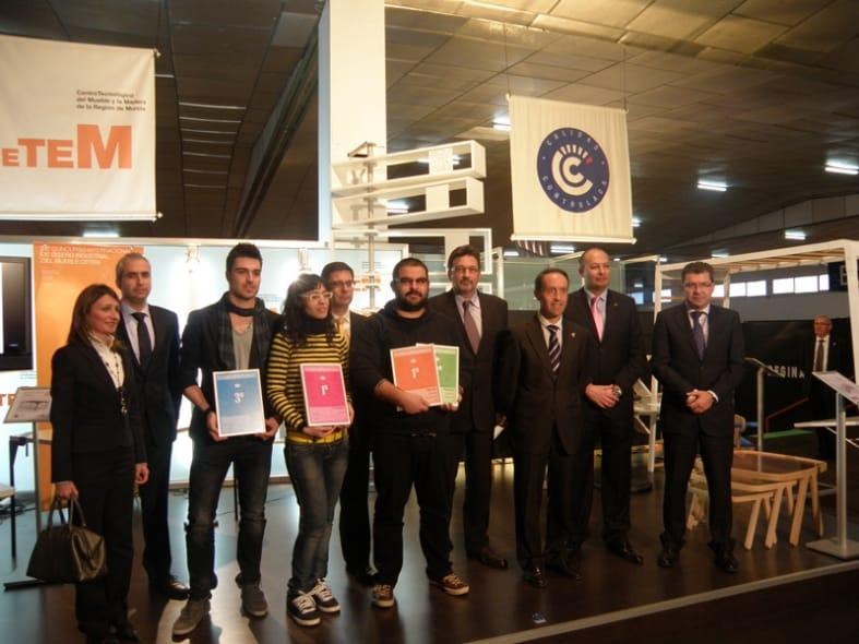 Una mesa versátil y ecológica gana el concurso de diseño de CETEM.