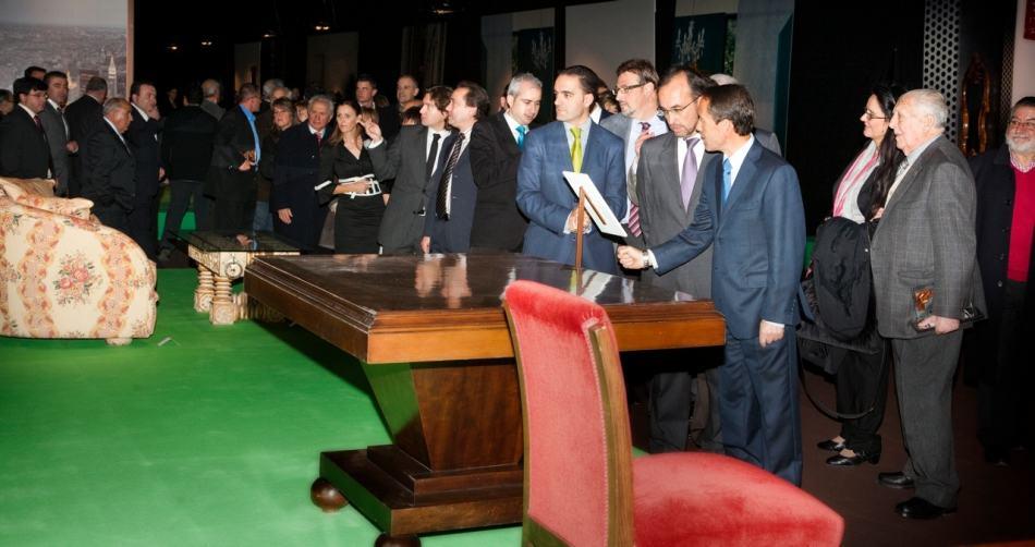 Feria del Mueble Yecla abre las puertas de la exposición conmemorativa del 50º aniversario.
