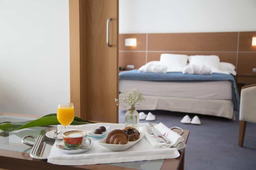Alojamiento-FeriaMuebleYecla-Hotel-La-Paz